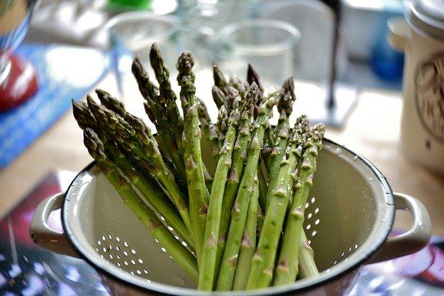 Do Chicken Eat Asparagus