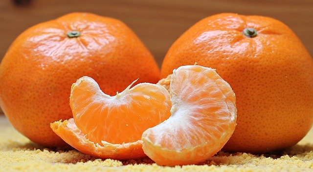Do goats eat oranges