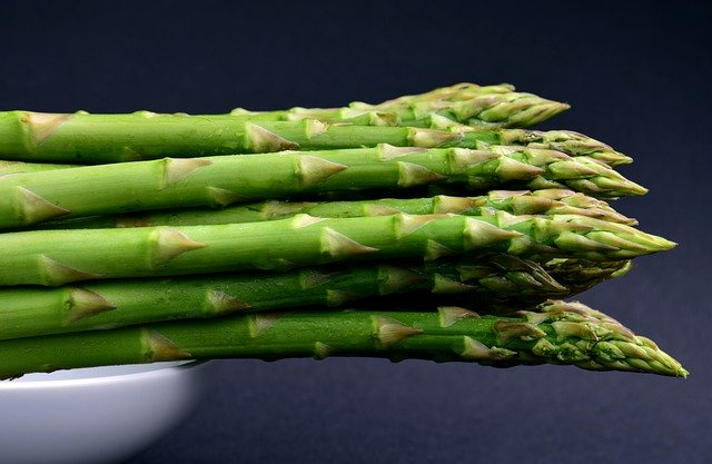 How to feed Asparagus to your chicken