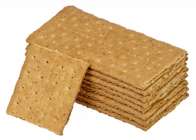 Do dogs eat graham crackers
